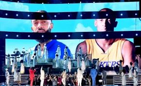 Könnyfakasztó képsorok: így emlékeztek Kobe Bryant-re a Grammy-díjátadón – videó
