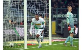 Henry mozdulatát idézi a Mönchengladbach játékosának gólja – videó