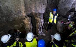 Egy pincéből kerültek elő a Halászbástya elveszettnek hitt szobrai – kép