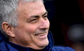 Mourinho magával beszélgetett a sajtótájékoztatón – videó