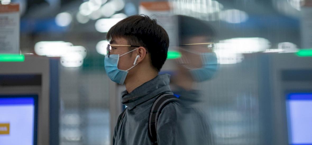 Koronavírus: nemcsak cseppfertőzéssel, hanem az emésztőrendszeren keresztül is terjedhet