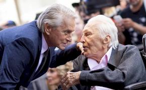 Így búcsúzott Michael Douglas édesapjától
