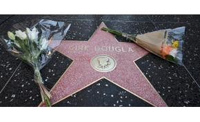 Spielberg és Schwarzenegger is búcsúzik Kirk Douglastől