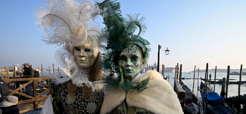 Az idei Velencei Karnevál a város újjászületését jelenti a helyieknek – galéria