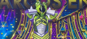 Álarcos énekes: férfinak hitték, de szupermodell volt az Alien maszk mögött