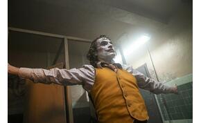 A Jóbarátokkal és a Jokerrel hirdetik az HBO Max-et – videó