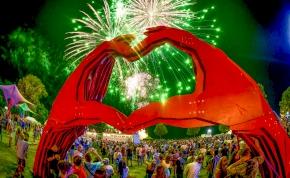 Világsztárok és hazai nagyágyúk a Balatonon – teljes a Strand Fesztivál programja