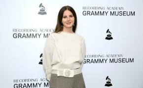 Lana Del Rey teljesen elvesztette a hangját