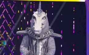 Álarcos énekes: senki sem hitt a szemének, mikor az Unikornis levette a maszkot