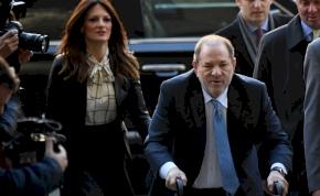 Börtönbe megy Harvey Weinstein, bűnösnek találta az esküdtszék