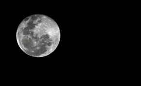 Egy új Holdat kapott a Föld