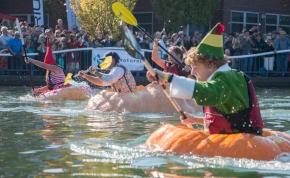 Ezek az emberek egy óriási tökbe ülnek, és belevetik magukat a folyóba – videó