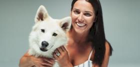 A bűnbánó kutya és a széttépett kukazsák esete – videó
