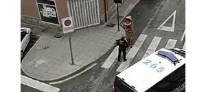 Dínó jelmezben próbálta megszegni a kijárási tilalmat – videó