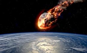 Egy fél Mount Everest nagyságú aszteroida tart a Föld felé
