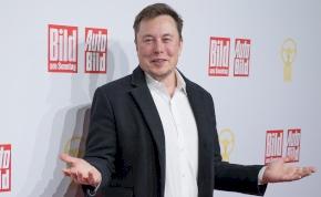 Ismét felsült Elon Musk: századmásodperceken múlt a tragédia – videó