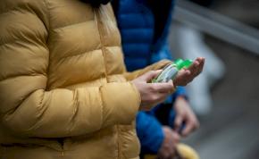 Felháborító: extrém drágán is adják a kézfertőtlenítőt hazánkban