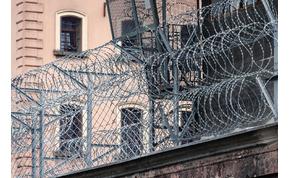 Alkoholmentes fertőtlenítőt kapnak a rabok, nehogy piát készítsenek belőle
