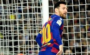 Lionel Messi a WC-papírral is remekül bánik – videó