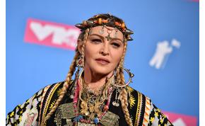 Madonna anyaszült meztelenül filozofál a koronavírusról – videó