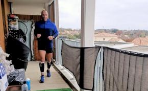 A hét méteres erkélyen is le lehet futni egy maratont