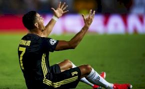 """Amikor Cristiano Ronaldónak """"bűnhődnie"""" kellett piros lapjáért"""