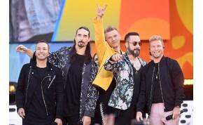 Így vidítja fel rajongóit a Backstreet Boys – videó