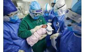 Koronavírusos tünetekkel maradt bent egy apa a szülésnél