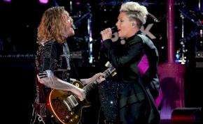 Pink és kisfia is koronavírusos volt – az énekesnő maga mesélt