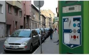 Hétfőtől ingyenesen lehet parkolni egész Magyarországon – részletek