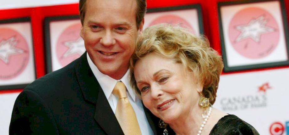 Gyászol Kiefer Sutherland: elhunyt az édesanyja