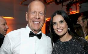 Bruce Willis és Demi Moore hiába váltak el 20 éve, mégis együtt töltik a karantént – kép