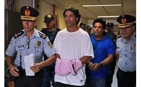 Ronaldinho a paraguayi börtönt házi őrizetre cserélte