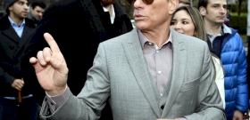 Van Damme könyörtelenül lerúg minden közeledőt a járvány idején – videó
