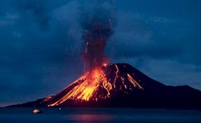 Hatalmas erővel tört ki újra Indonézia egyik legveszélyesebb vulkánja – videó