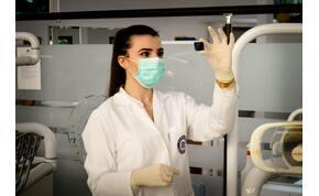 Fél éven belül elkészül a koronavírus elleni vakcina egy brit tudós szerint