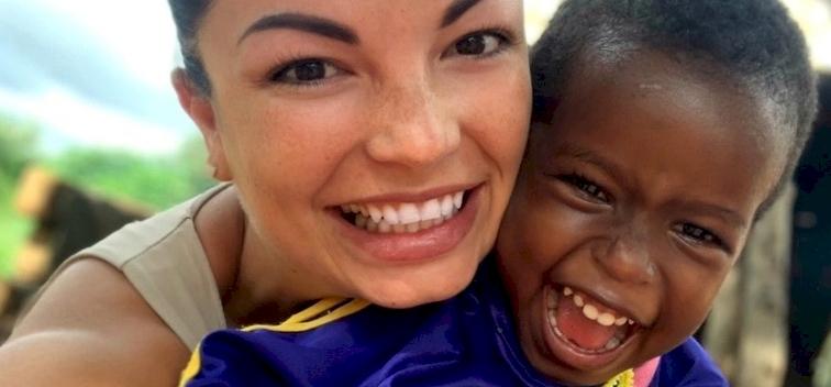 A magyar lány, aki megváltoztatta egy afrikai falu életét – interjú Bódás Biankával