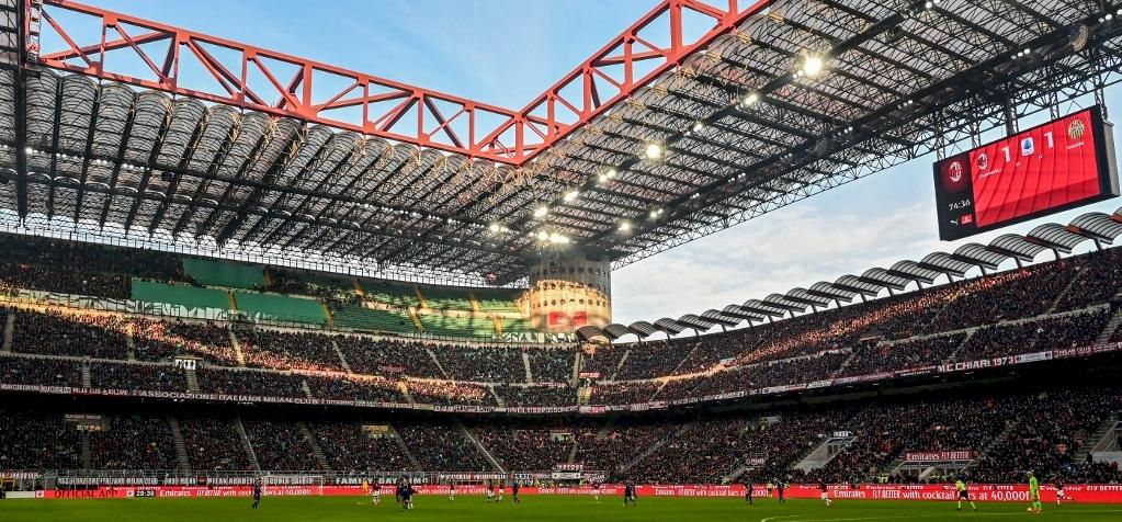 Lebonthatják a világ egyik leghíresebb stadionját