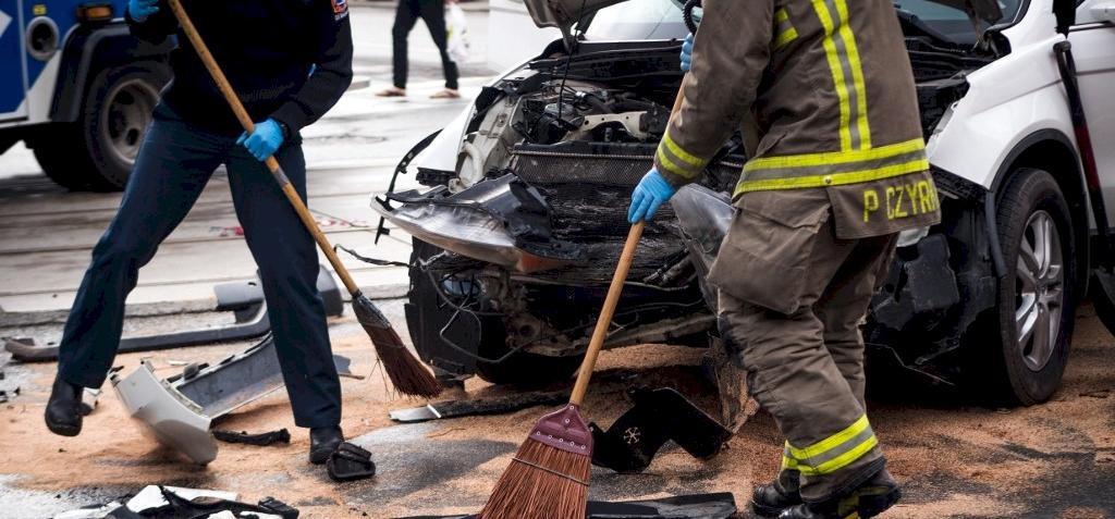 Bulizó fiatalok élőben közvetítették, ahogy összetörik autójukat