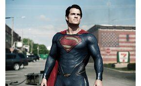 Ismét Superman bőrébe bújik Henry Cavill?