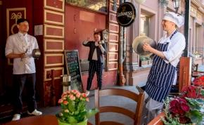 Koronavírus: innentől Budapesten is nyithatnak a vendéglátóhelyek