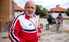 Urbán Flórián kispadra cserélte a taxit