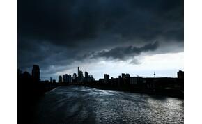 Veszélyjelzés és felhőszakadás – ilyen lesz a keddi időjárás