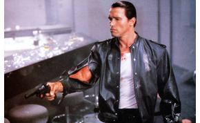 Schwarzeneggert még egy ipari homlokrakodó sem tudta megállítani