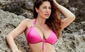 Horváth Éva még a reggelit is szexi bikiniben tálalja – kép