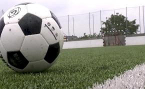 Újabb műfüves focipályákat adtak át Nyíregyházán