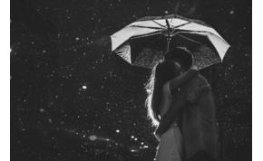 Napi horoszkóp: sok csillagjegy körül fog ma dúlni a romantika