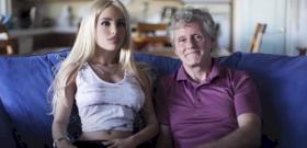 Szexrobottal szexel egy férfi, méghozzá heti négyszer – videó