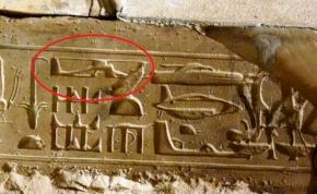 Helikopterrajzot találtak egy több ezer éves hieroglifán?