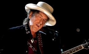 Bob Dylan 79 évesen is a brit slágerlista élére került